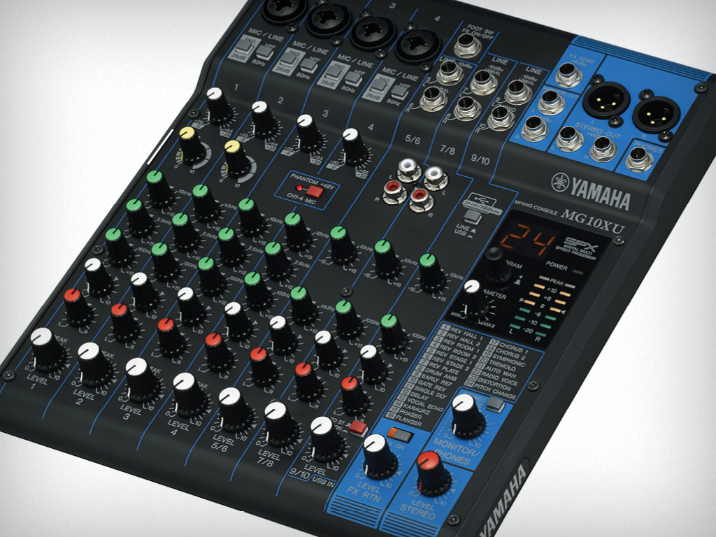 Photo: Yamaha Mixing Console and Mic