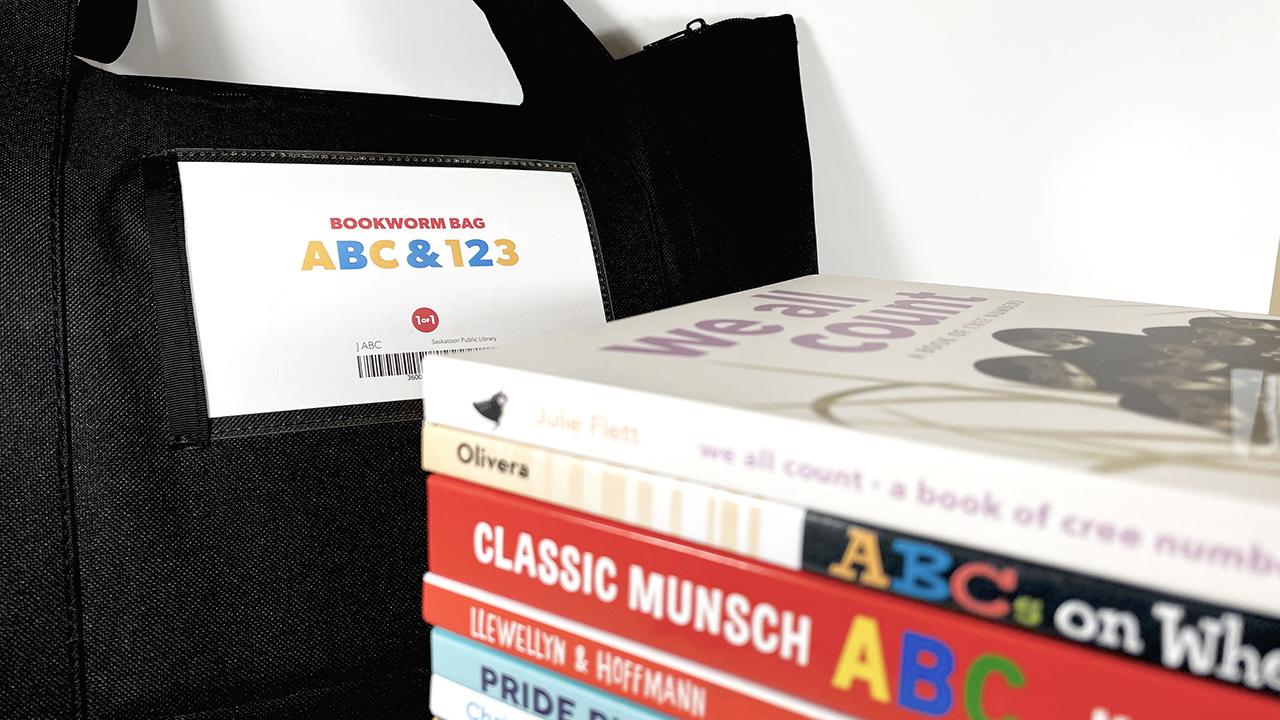 Themed bookworm bag ABC-123